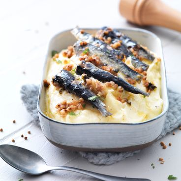Mashed potatoes with sardines and buckwheat