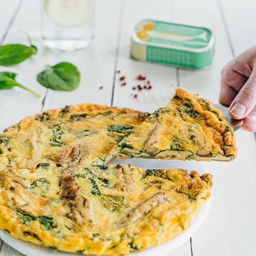 No-pastry mackerel and spinach quiche